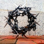 09 Scissaurus Truncubus comprises nothing but 24 pairs of scissors of the same make and size