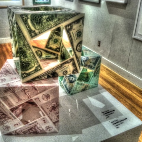 American MoneyCube, Greek MoneyCube and Horvatska MoneyCube. Dutilization of different world currencies is in process.