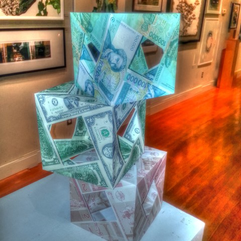 American MoneyCube, Greek MoneyCube and Horvatska MoneyCube. Dutilization of different world currencies is in progress.